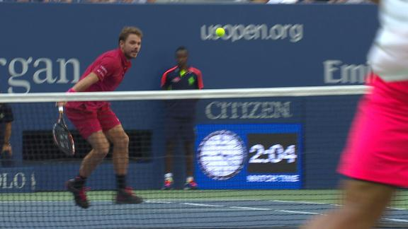 Wawrinka's hot drop shot