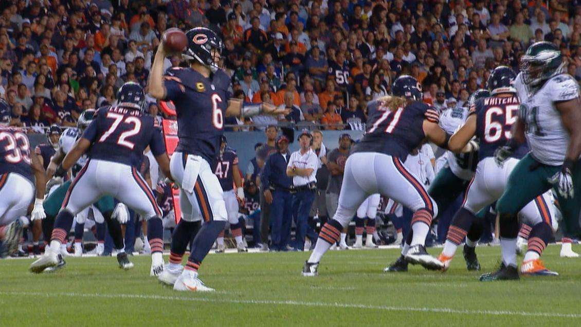 Cutler throws interception, leaves game with injury