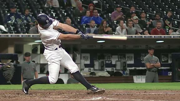 Rosales hits go-ahead homer in the sixth