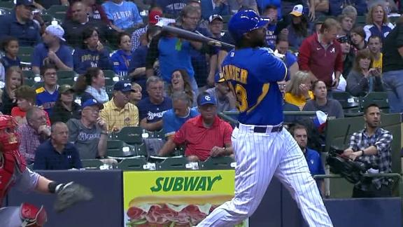 Carter gets Brewers on the board first with homer