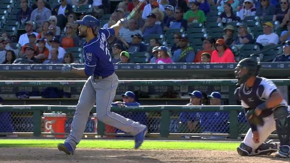Hosmer's homer caps Tigers' ninth-inning collapse