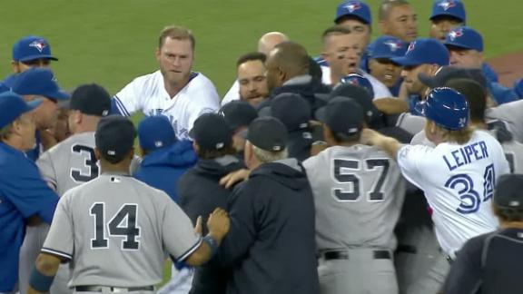 Jays' Benoit tears calf during melee vs. Yanks