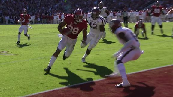 Alabama returns Texas A&M fumble 30 yards for TD