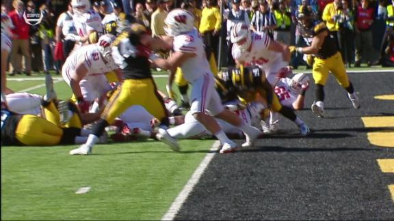 Big pass play leads to a 1-yard TD run for Wisconsin
