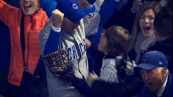 Cubs fans celebrate team's 1st World Series berth since 1945
