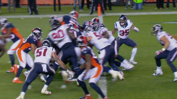 Booker pounds it in to increase Broncos' lead