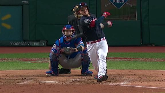 Roberto Perez powers Indians over Cubs with 2 HRs in Series opener
