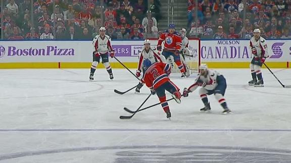 Lucic tips in power-play goal to extend Oilers' lead