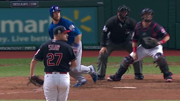 Zobrist gives Cubs lead with RBI double in 10th