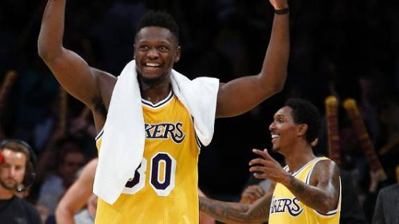 Lakers get wire-to-wire win over Warriors