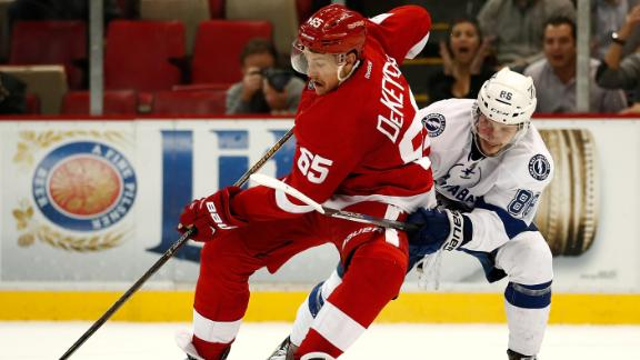 http://a.espncdn.com/media/motion/2016/1116/dm_161116_NHL_Red_Wings_vs_Lightning_Highlight/dm_161116_NHL_Red_Wings_vs_Lightning_Highlight.jpg