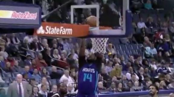 MKG hits the spin move and the two-handed dunk