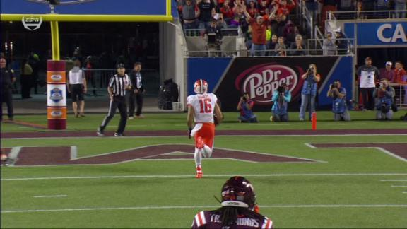 Clemson strikes again with 21-yard TD to Leggett