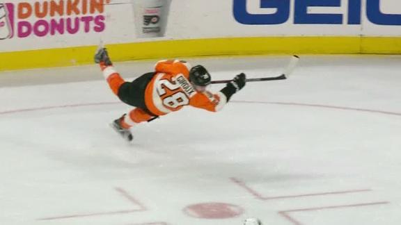 Giroux leaves his feet to score go-ahead goal