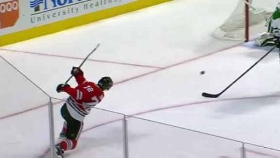 Panarin's rocket puts game away from Blackhawks