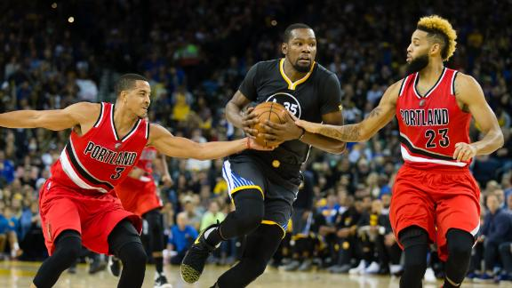 Durant's 34 points boosts Warriors past Blazers
