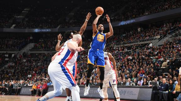 Durant's 32 points leads Warriors to seventh straight win
