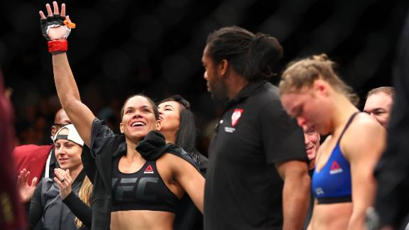 Nunes stops Rousey in 48 seconds