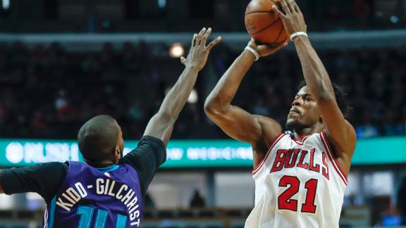 Butler scores 52 in Bulls' win over Hornets