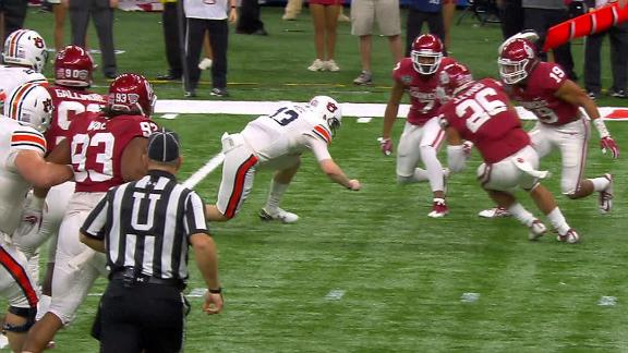 Auburn's White breaks arm on first-quarter hit