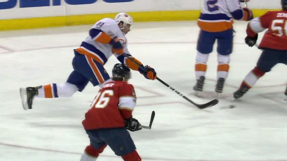 Tavares notches sixth career hat trick in Isles' win