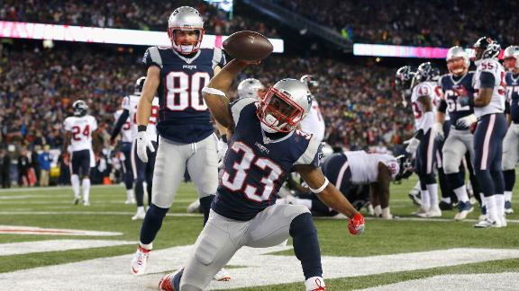 Lewis scores three TDs in Patriots' win