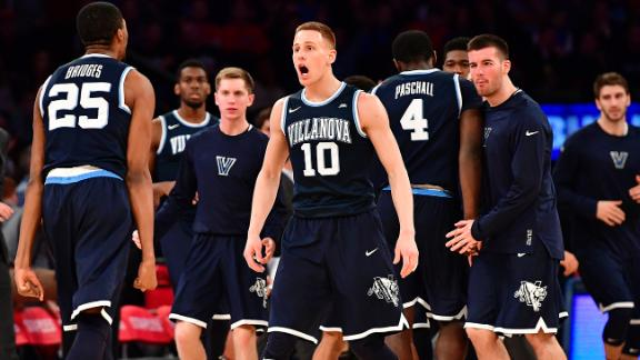 Villanova jumps Kansas, moves back to No. 1 in AP poll