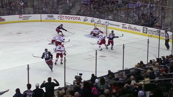 Hartnell nets the game winner for the Blue Jackets