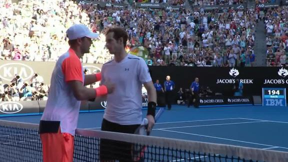 No. 1 Murray suffers upset at Australian Open