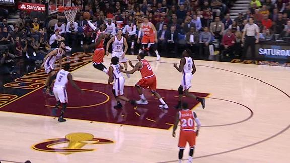 LeBron notches 20,000th point for Cavs