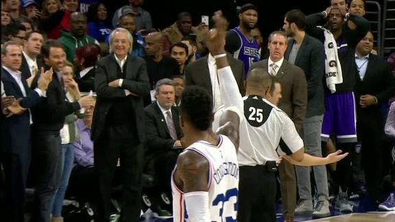 Covington waves goodbye as Boogie bows out in Kings' loss