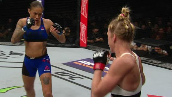 De Randamie takes Women's Featherweight belt over Holm
