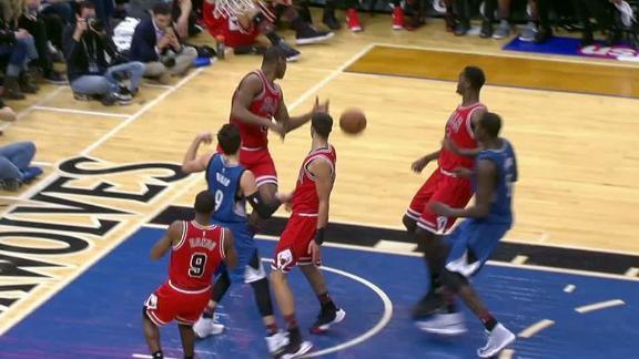 Bulls blow 4-on-1 fast break