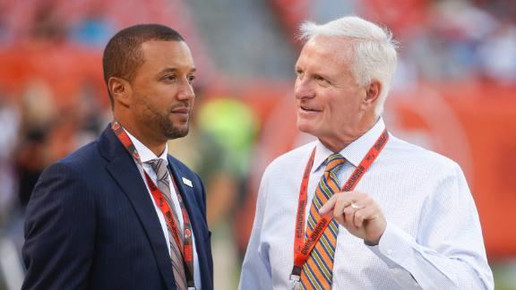 Browns should deal to acquire more draft picks