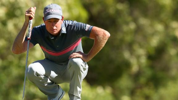 fowler dialed in  leads honda classic after round 3