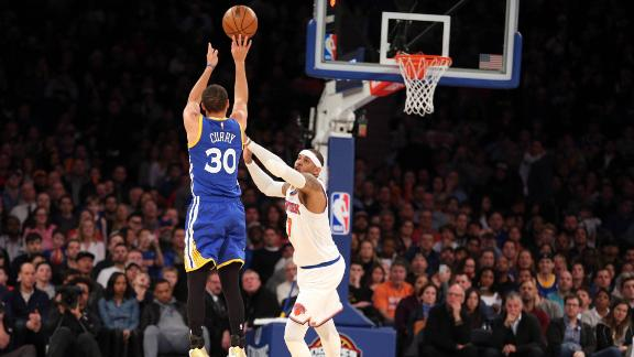 Curry's late surge drowns out quiet start