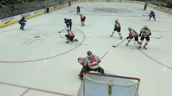 Bozak lights lamp in Leafs' win