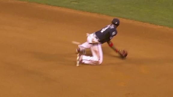 Phillips, Swanson team up for incredible double play