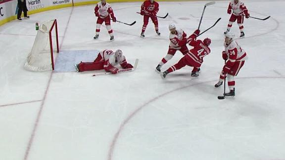 Hurricanes knock Red Wings out of playoff contention
