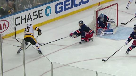 Crosby scores incredible goal from behind net