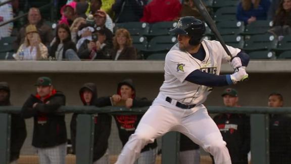 Tebow homers in minor league debut