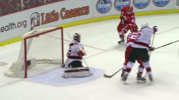 Red Wings close Joe Louis Arena with win