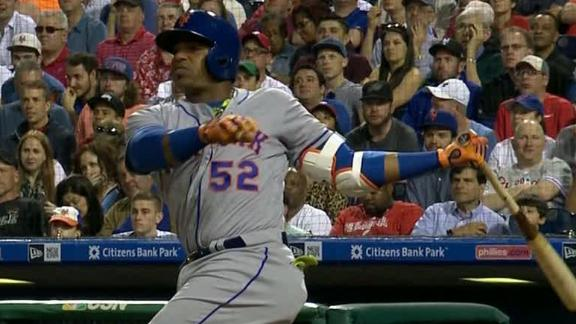 Cespedes hits 3 HRs, Harvey leaves with cramp in Mets win