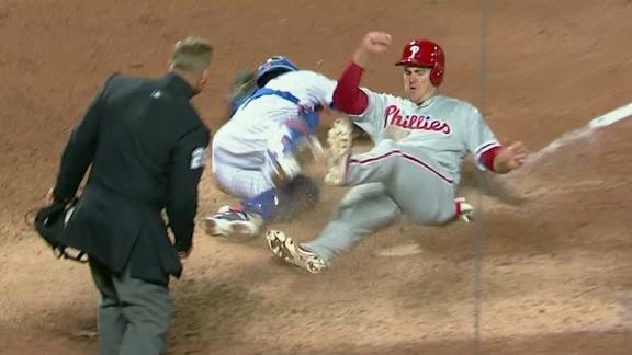 Altherr boosts Phillies' lead, d'Arnaud fumbles the ball