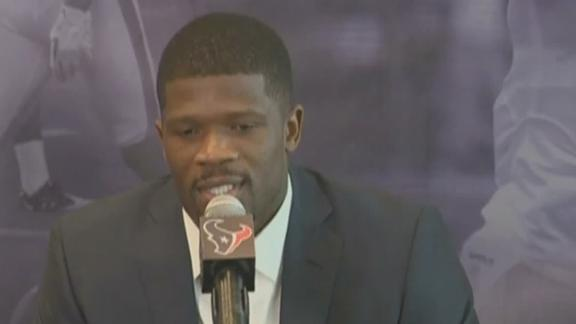 Tears flow as Andre Johnson thanks mother, formally retires