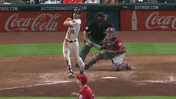 Reddick gets just enough for 2-run homer