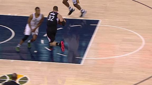 Griffin exits game with apparent toe injury
