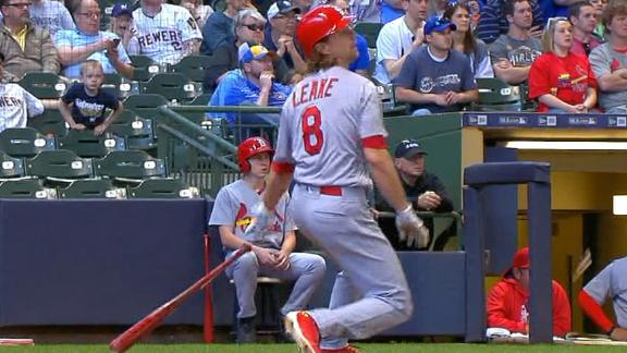 Leake's 2-run single puts Cardinals up for good