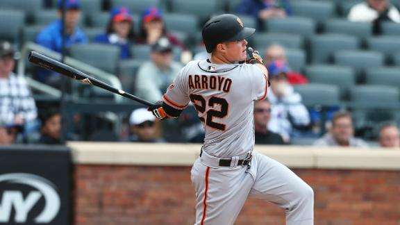 Arroyo completes Giants' comeback with 3-run double