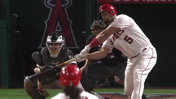 Angels walk off on Pujols' single in the 11th